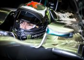 Lorenzo a los mandos del Mercedes AMG Petronas de F1