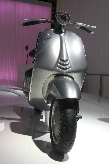 nueva_vespa_quarantasei_2012_lateral