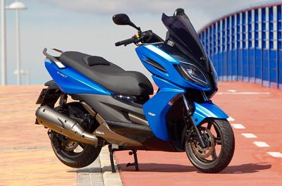 SALON DE INTERMOT Analizamos las motos de 2016-2018-http://www.motofichas.com/images/stories/imagenes/pruebas/kymco_k_xct/presentacin-kymco-k-xct-125_300-estatica.jpg
