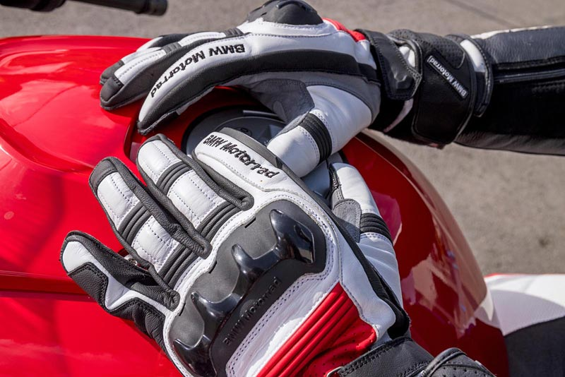 equipamiento bmw sport 2019 guantes 02
