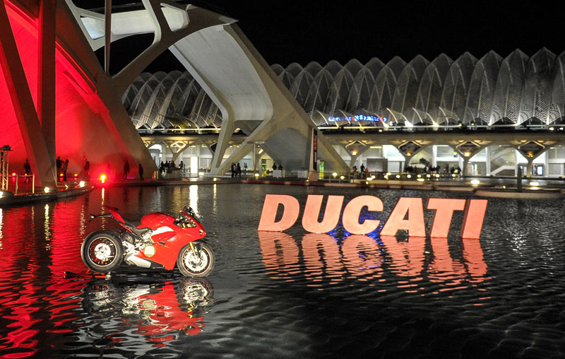 ducati red christmas 2018 noticia