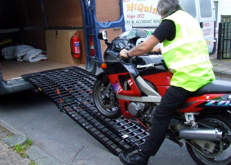 Cómo Transportar Tu Moto Empresas Legalidad Consejos Furgonetas Y Remolques