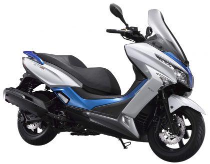 01 kymco agility maxi 300i blanca azul lateral dch caballete-gallery