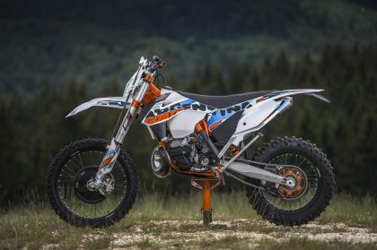 02 ktm 250 exc sixdays 2015 lateral-gallery