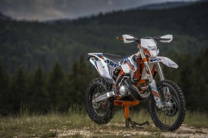 01 ktm 250 exc sixdays 2015 frontal-gallery