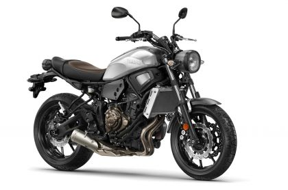 01 yamaha xsr700 2015 gris front lat-gallery