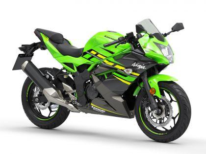 01 kawasaki ninja 125 perfil verde-gallery