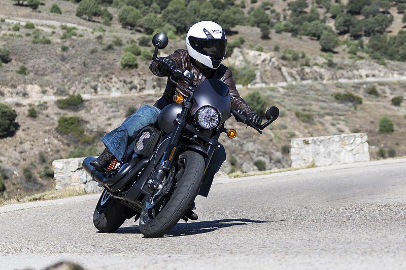 Prueba Harley-Davidson Street Rod 2017