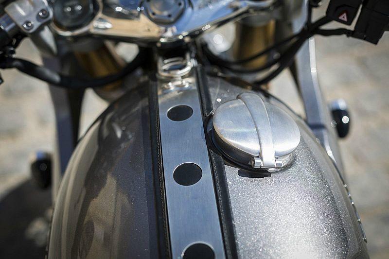 Prueba Triumph Thruxton 1200 R Kit Track Racer