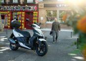 Madrid quiere bajar las motos de las aceras