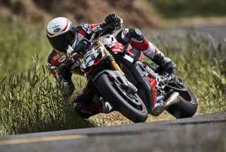 El prototipo Ducati Streetfighter V4 en Pikes Peak