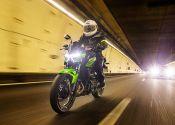 Prueba Kawasaki Z400: más guerrera