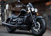 Triumph desvela los precios de la Rocket X y la Thunderbird Nightstorm 2015