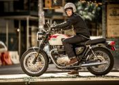Triumph lanza su exclusivo Welcome Pack PRO