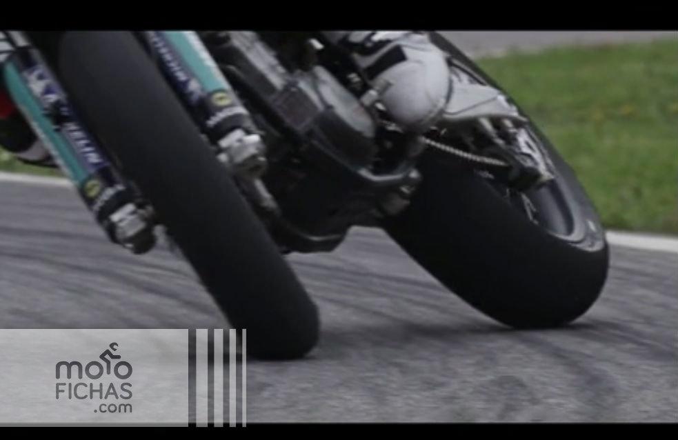 Supermotard a 300 fotogramas por segundo (vídeo)
