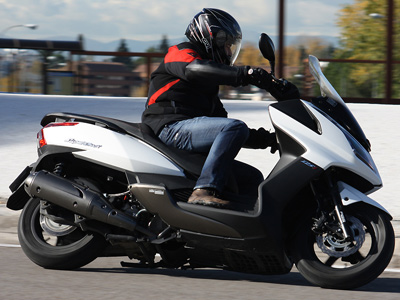prueba-kymco-super-dink-125-abs-accion-lateral